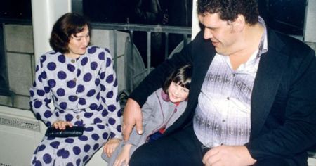 Andre the Giant's family photo.