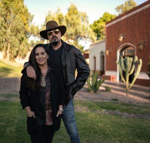 A photo of Pepe and Aneliz Aguilar Alvarez.