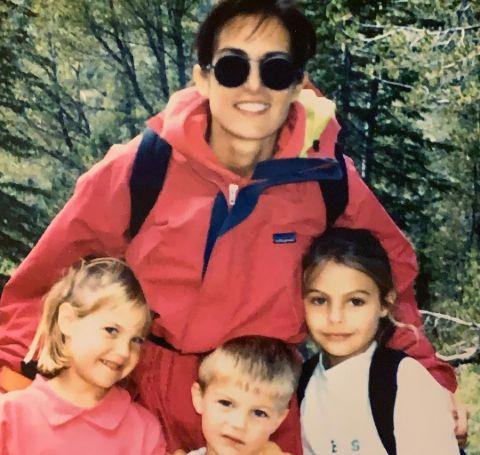 Cindy Silva with her three kids.